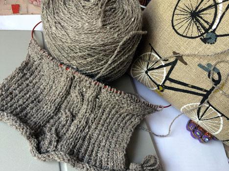 bathrobeSweaterNew05_06