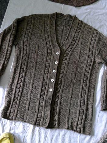 squareSweaterWashB05_05