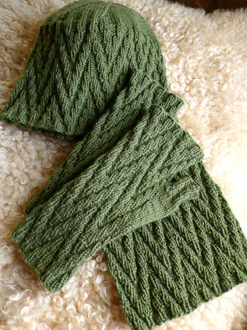 Zig Zag Mitts Hat And Scarf